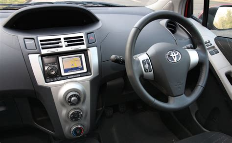 toyota  tomtom   car gps navigation