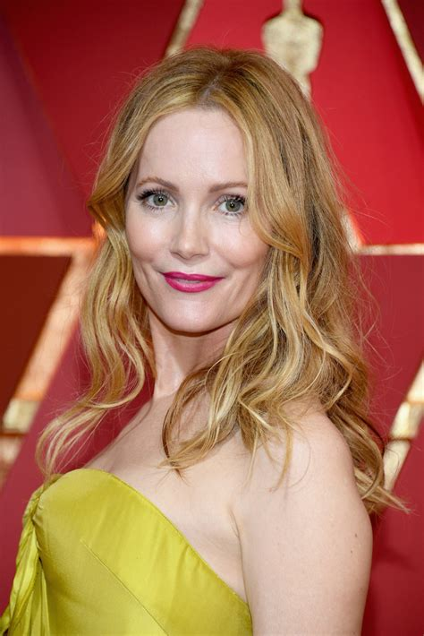 Leslie Mann Long Wavy Cut   Newest Looks   StyleBistro