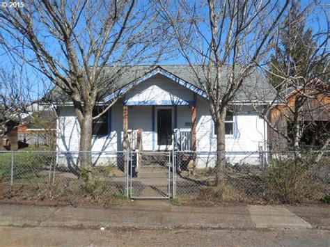 34 s 22nd st helens oregon 97051 reo home details