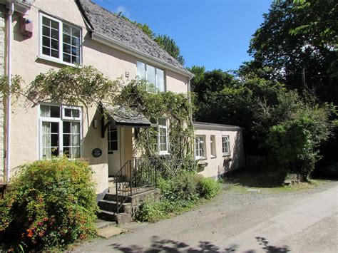 delightful cottage near dartmouth homeaway