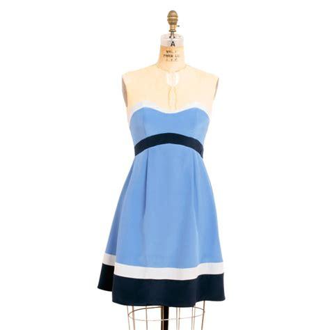 Pattern Kat Dress | grainline studio 33001 kat strapless dress