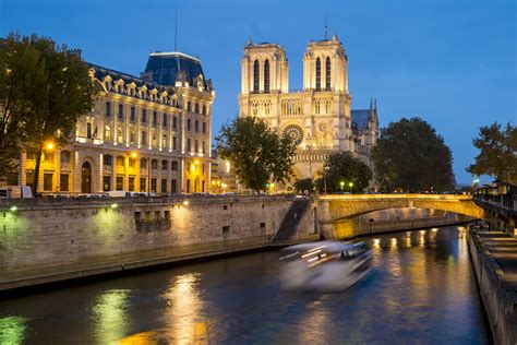 paris images paris has a new scenic walkway along the river seine