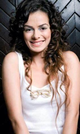 Nurgul Yesilcay Meme - ozge gurel turkish actress