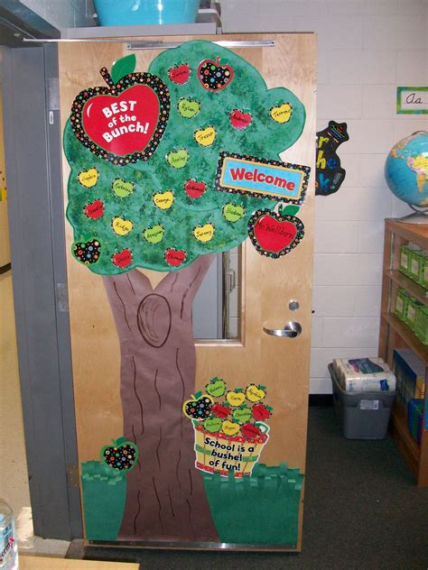 Apple Classroom Decorations by The Fifth Dimension January 2012
