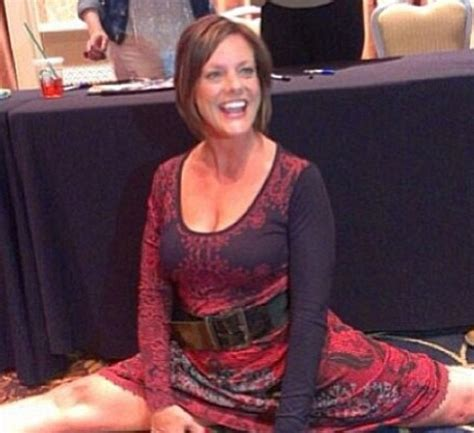 kelly hyland in dance moms pictures kelly doing splits dance moms pinterest dancing
