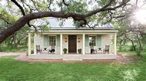 Texas Farmhouse Plans by Charming Texas Farmhouse Curb Appeal Southern Living