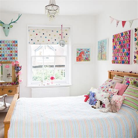 childrens butterfly bedroom accessories child s bedroom with butterfly artwork decorating