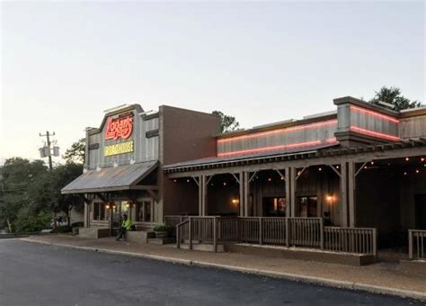 Logans Road House by Logan S Exterior In Columbus Picture Of Logan S
