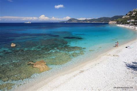 spiaggia le ghiaie isola d elba sito ufficiale turismo