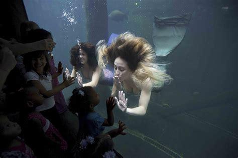 imagenes de sirenas muy bonitas hermosas sirenas surgen en un acuario de sao paulo spanish