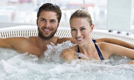 couples in bathtubs couples in bathtubs 28 images couple in hot tub at