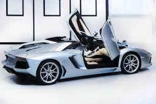 new lamborghini aventador roadster price starts at