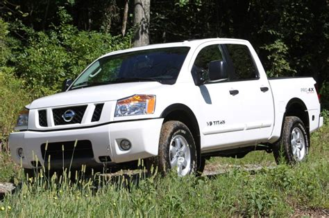 nissan titan curb weight used 2015 nissan titan for sale pricing features edmunds
