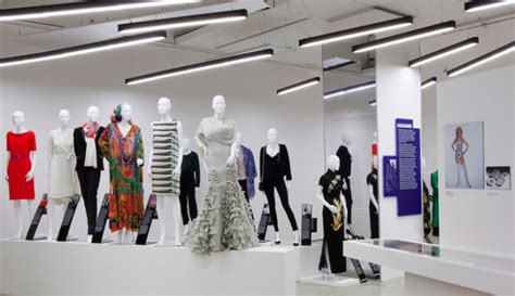 fashion design museum london london design museum celebrates women in power through fashion