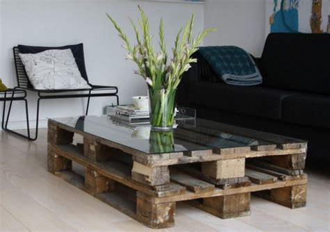 22 Upcycling Pallet Table Ideas For Your Garden Or Living Wooden Table Ls For Living Room