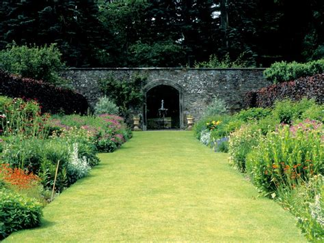 Formal Garden Layout 25 Formal Garden Designs Garden Designs Design Trends