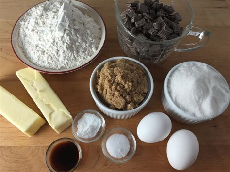 19 Ingredients And Directions Of Duet Of Chocolate And Berry Tart Receipt by Easy Recipe For Chocolate Chip Cookies