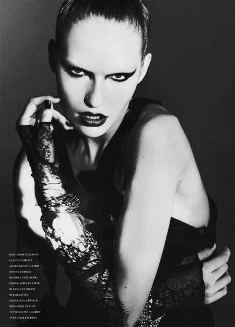 Fashion | Model posing guide, Model poses, Poses