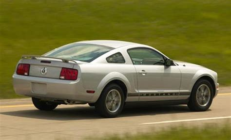 2005 ford mustang car and driver