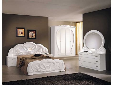 Italian White Bedroom Furniture by Italian White High Gloss Bedroom Furniture Set Homegenies
