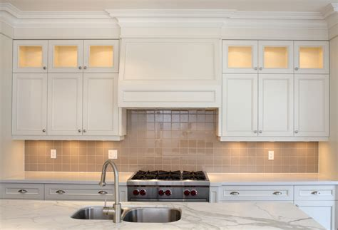 kitchen cabinets to ceiling pictures kitchen cabinet crown molding to ceiling kitchen cabinet crown molding and how to install it