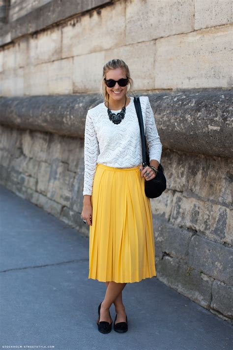 how to wear the midi skirt