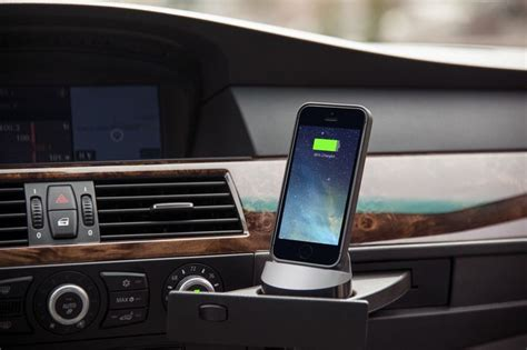 Will Android Auto Work With Iphone by Everdock Go Is An Universal Car Dock For Iphone And Android