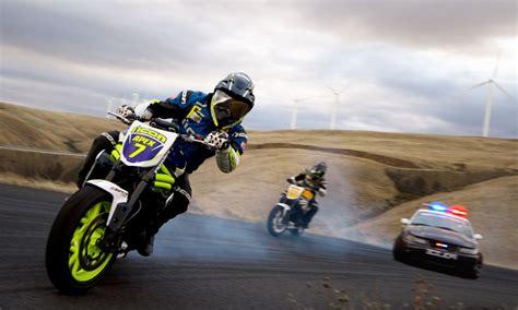 imagenes de motos unicas coche vs moto 191 qui 233 n derrapa mejor