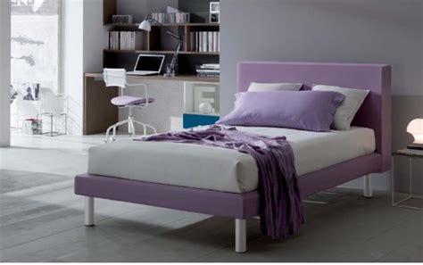 ragazze a letto doimo dielle letti castelli e camere da letto
