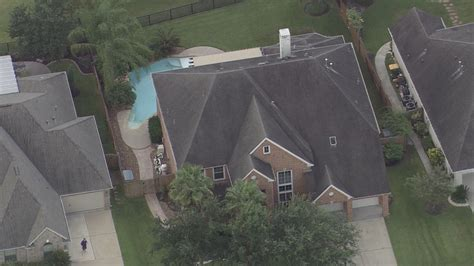 jj watt house j j watt s pearland home is on the market khou com