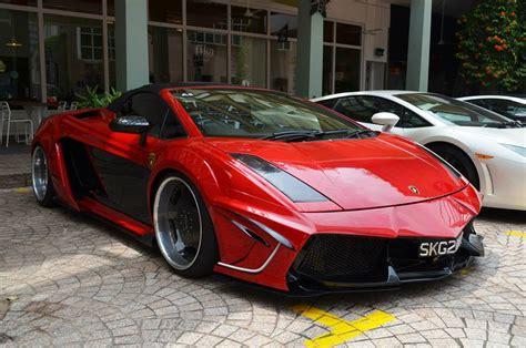 Lamborghini Aventador And Gallardo Lamborghini Gallardo Tries To Be An Aventador