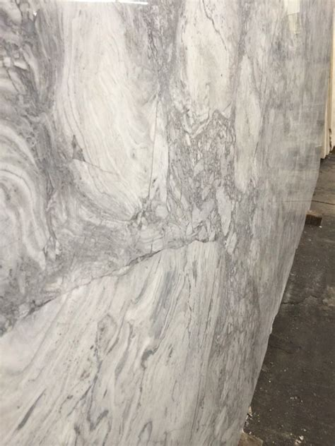 Dolomite Countertops by Dolomite A In The Same Color Family As