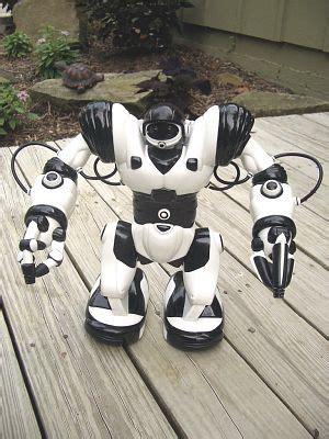 A Day In The Of Robosapien by Robosapien Robot Review The Gadgeteer