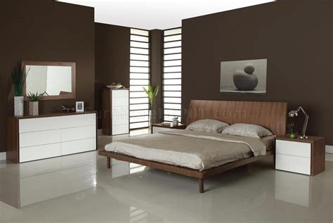 Bedroom Paint Ideas Two Tone Walnut Two Tone Modern Bedroom W Options