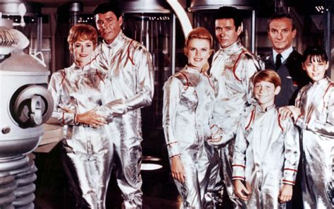 film it original cast lost in space cast reunites 50 years later at sdcc talks