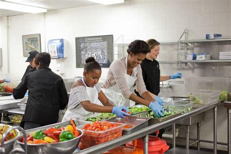 pictures of malia and sasha bedroom sasha obama room in the white house www pixshark com