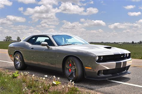 hellcat challenger 2017 video dodge s challenger srt hellcat not the demon but