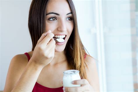 can a eat yogurt morning noon and which foods will do your gut right la magazine