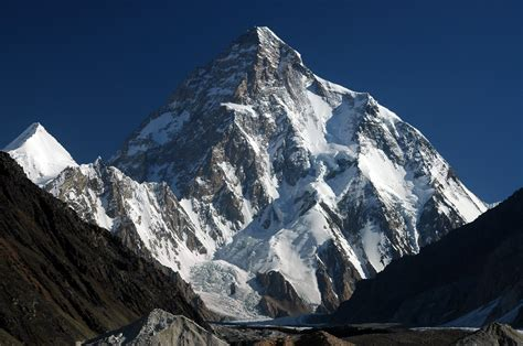 in this mountain world beautifull places k2 highest mountain in the world