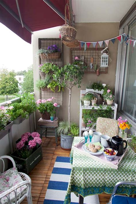 decorating ideas small apartment cozy small apartment balcony decorating ideas 27
