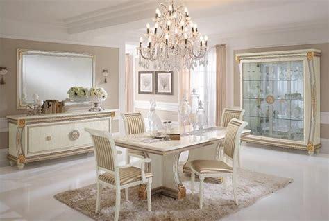 sale da pranzo di lusso credenza lussuosa in stile classico in legno decorato