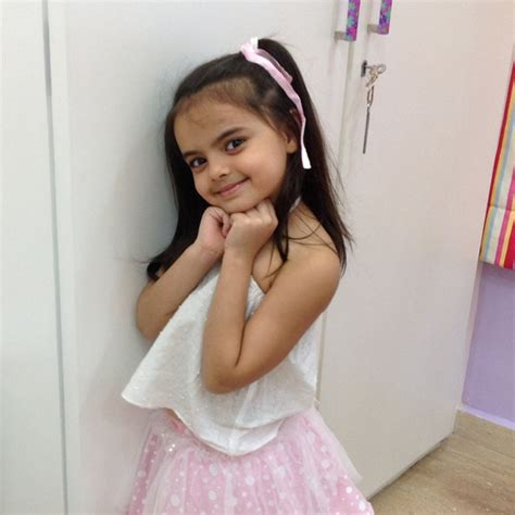 cute ruhi hd wallpaper latest ruhanika dhawan images wallpaper tv talks