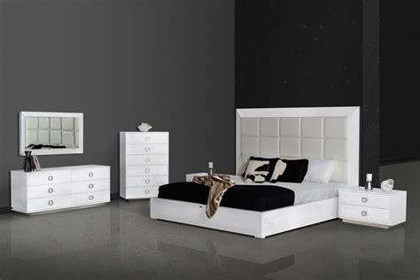 victoria bedroom set victoria white crocodile bedroom set las vegas furniture