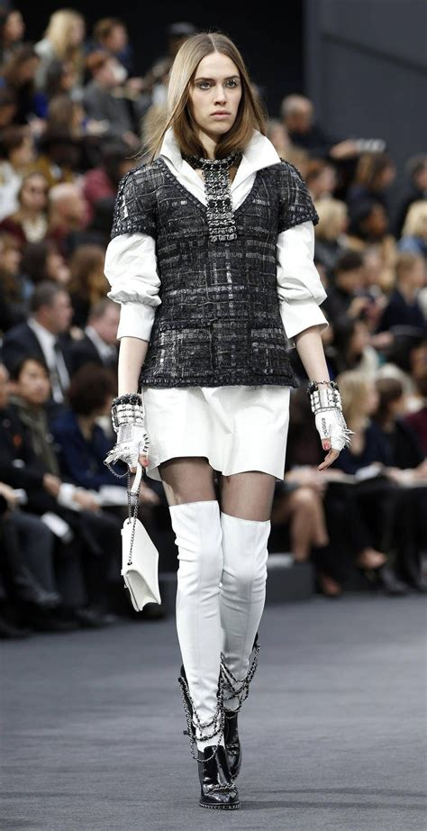 Take A Peek At Japan Fashion Week by Take A Look 11 Chic New Styles From Chanel Valentino And