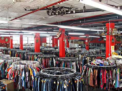 100 vintage clothing thrift stores near me thrift