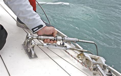 crash test boat crash test boat dismasting