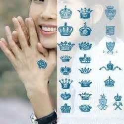 amazon com various queen king crown finger hand