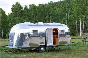 wohnwagen le stunning restored 1954 airstream flying cloud travel trailer