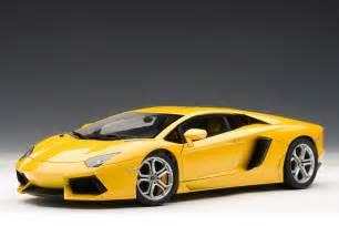 Lamborghini Aventador Yellow Autoart Lamborghini Aventador Lp700 4 Giallo