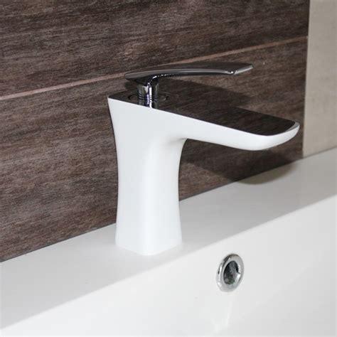 Robinet Lavabo Blanc by Robinet Mitigeur Design Pour Lavabo Et Vasque Chrom 233 Blanc